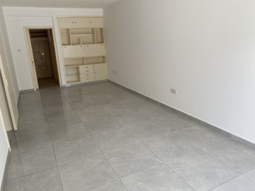 Apartment Ground for Rent in Neapoli